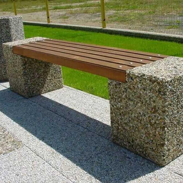Parkové lavičky (betónové s drevom)