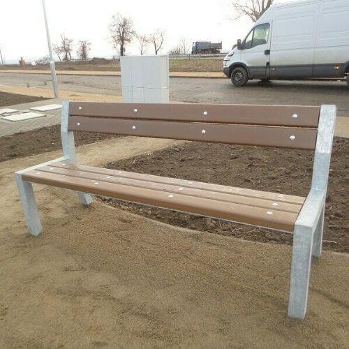 Parkové lavičky (kovové s plastom)
